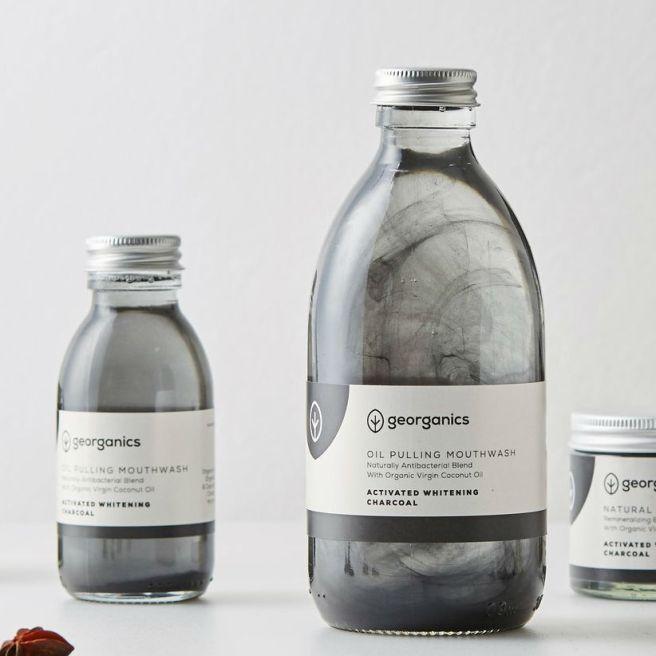 enjuague-bucal-natural-blanqueante-oil-pulling-aceite-de-coco-carbon-activado-georganics-parafarmaciabio-atenea